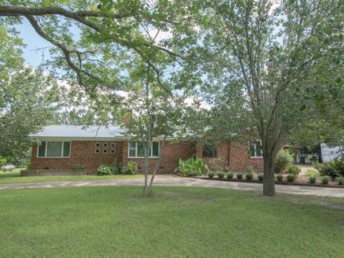 3B/2B Brick Home 34 W Pond Slocomb : Slocomb : Geneva County : Alabama