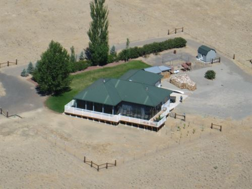 Gorgeous Custom Home Spectacular : Alturas : Modoc County : California