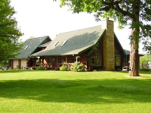Log Home Land Country Setting : Galena : Jo Daviess County : Illinois