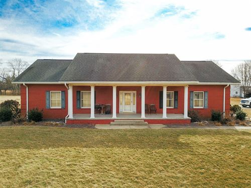 Macoupin County Country Home : Springfield : Macoupin County : Illinois