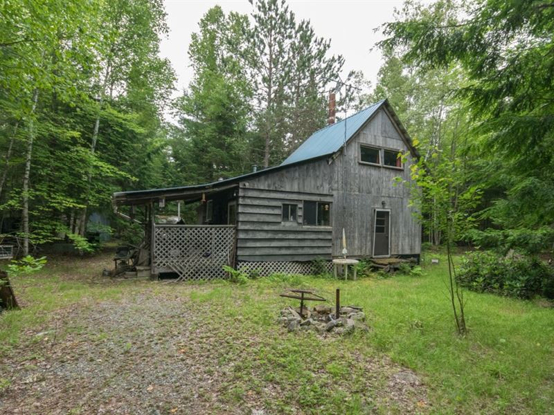 Maine Camp For Sale in Lincoln : Lincoln : Penobscot County : Maine