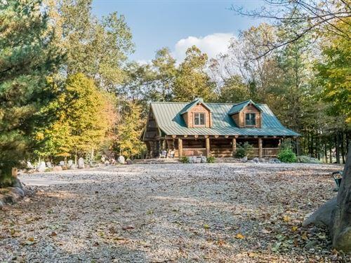 Custom Riverfront Log Home : Niles : Berrien County : Michigan