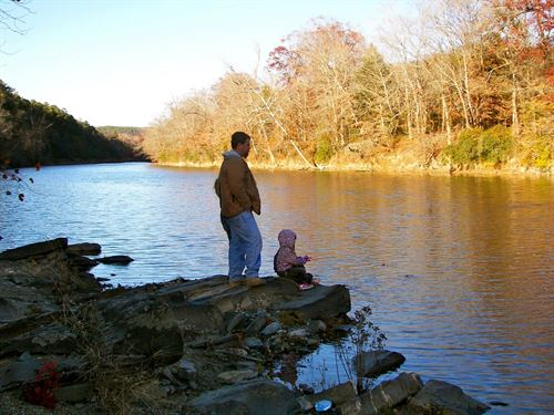 Water Front Property West Beavers : Broken Bow : McCurtain County : Oklahoma
