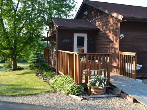 Country Home, Acreage, Hunting : Richland Center : Richland County : Wisconsin