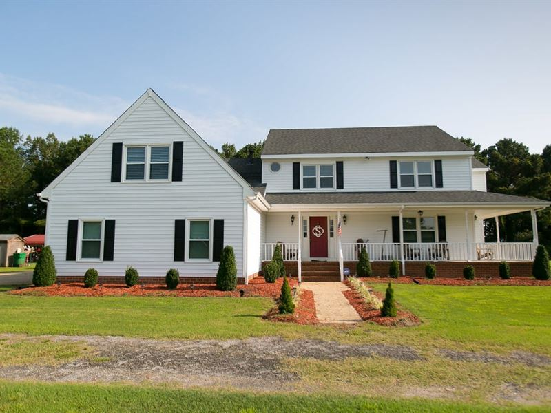 Country Home With Acreage : Tyner : Chowan County : North Carolina