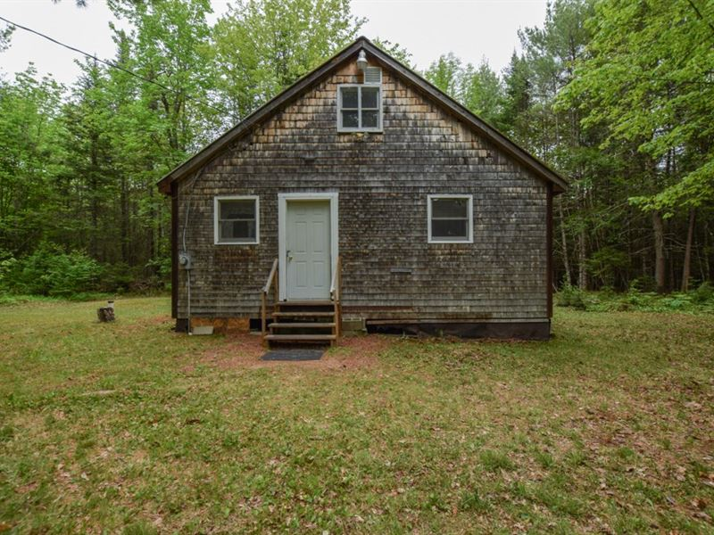 Maine Country Cabin in Orneville : Orneville Township : Piscataquis County : Maine