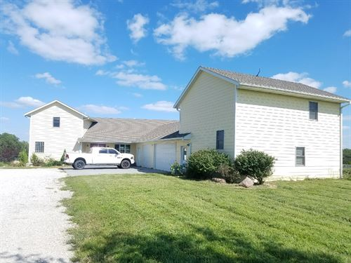 Kansas Country Home Acreage Walkout : Hiawatha : Brown County : Kansas