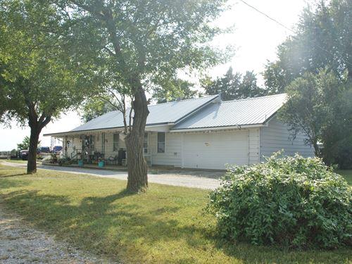 Beautiful Livestock-Ready Ranch : Big Cabin : Craig County : Oklahoma