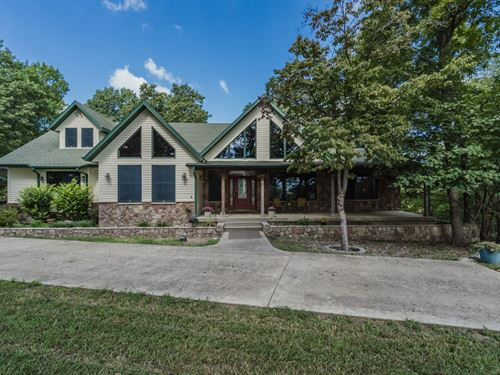 Custom Home, River Frontage, Equine : West Plains : Douglas County : Missouri