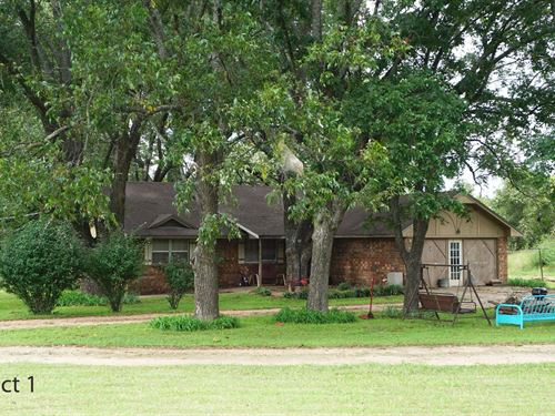 Central Oklahoma Horse Farm : Meeker : Lincoln County : Oklahoma