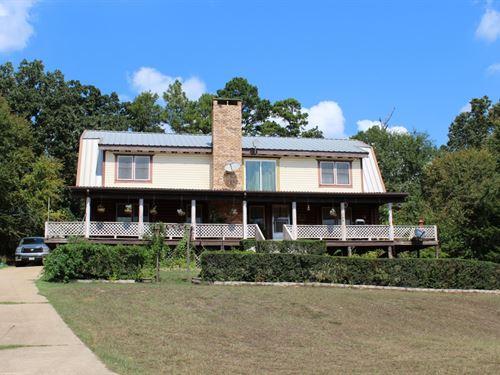 East Texas Country Home + 3 Acre : Winnsboro : Wood County : Texas