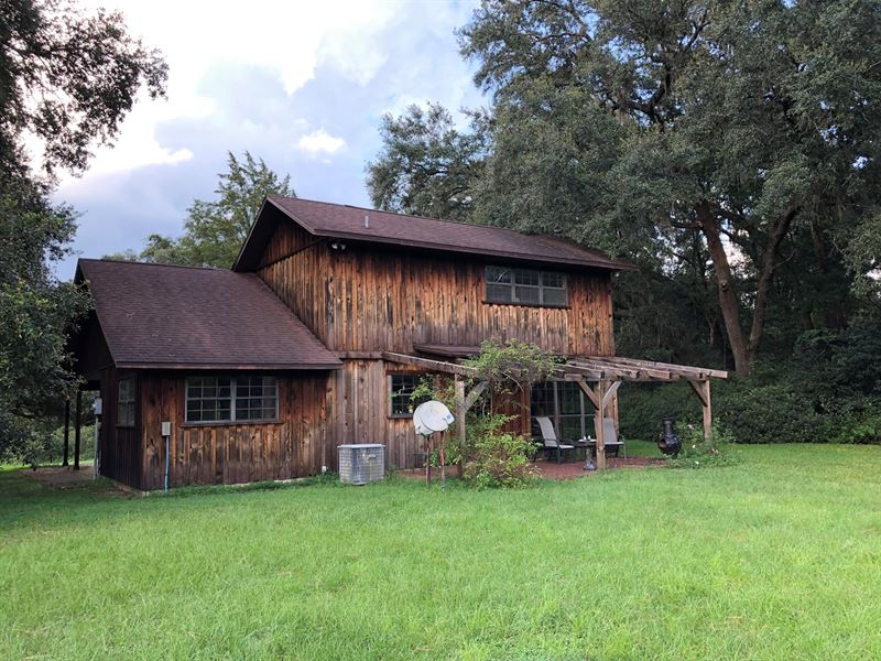 Country Home Barns, Trenton, Levy : Farm for Sale : Trenton