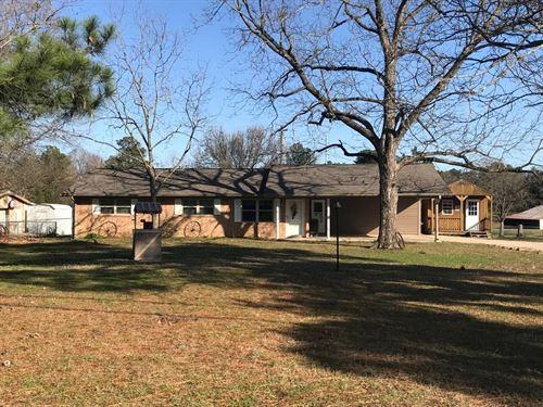 Country Ranch Awaits Your Horses : De Kalb : Bowie County : Texas