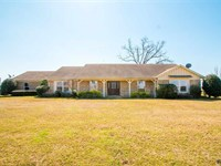 Home With Lake And Lots Of Land : Talco : Franklin County : Texas