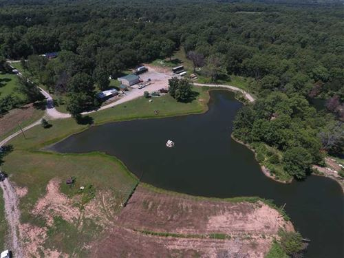 12.5 Acres Home And Shop And Lake : Deepwater : Henry County : Missouri