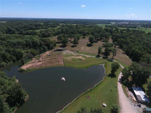 Beautiful House And 27 Acres With : Deepwater : Henry County : Missouri