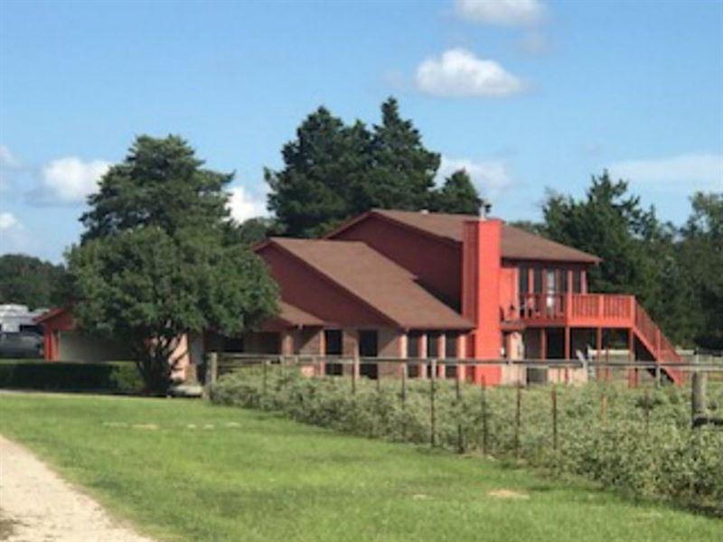 Two Story Home Horse Barn Stock : Fairfield : Freestone County : Texas