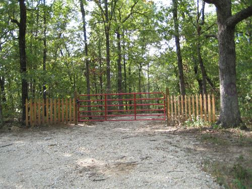 Hunting Land, 31 Ac Private Lake : Stover : Morgan County : Missouri