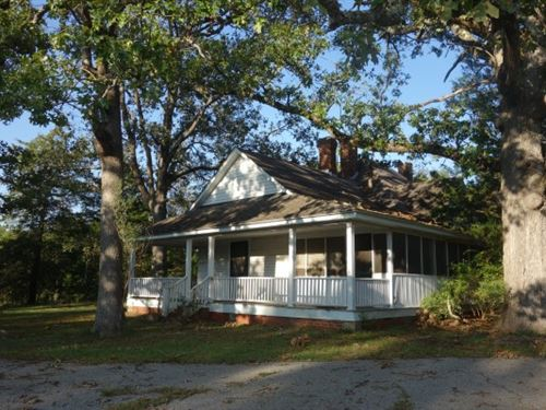 Charming Country Home And Acreage : Lancaster : South Carolina
