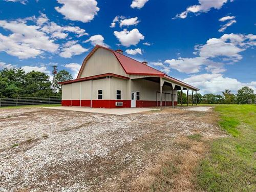 Large Barn Remodeled Cabin Ope : Forsyth : Taney County : Missouri