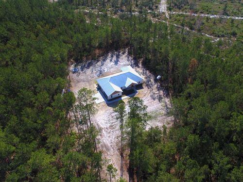 Beautiful Home With Acreage : Jesup : Wayne County : Georgia