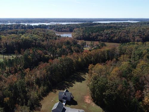 Retreat Sandy Creek Buggs Island : Clarksville : Mecklenburg County : Virginia