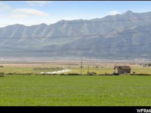 Over 700 Acres With Water : Eagle Mountain : Utah County : Utah