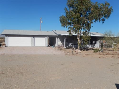 Salome Area Horse Property : Salome : La Paz County : Arizona
