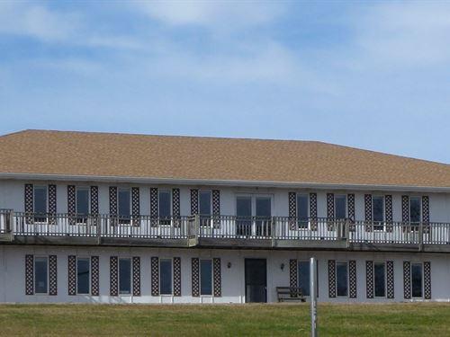Huge Unique Home On 8 Acres M/L : Atchison : Kansas