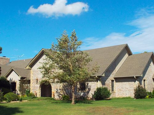 Luxury Home & 40 Acres : Ames : Major County : Oklahoma
