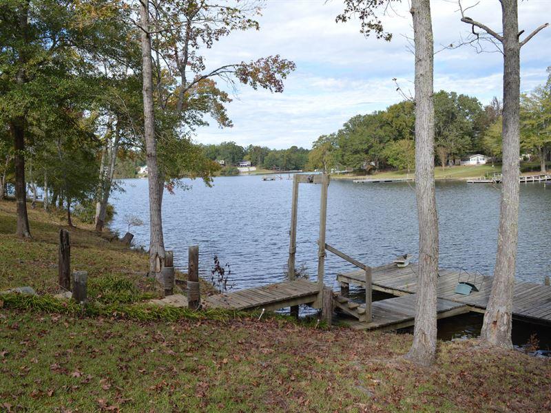 10.27+/- Acres On Lake Greenwood : Cross Hill : Laurens County : South Carolina