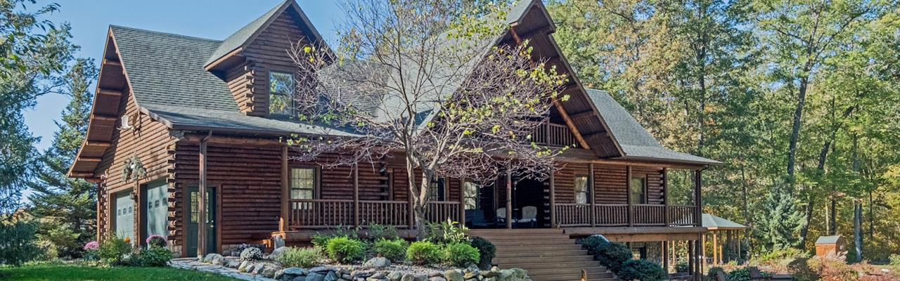 Log Home, Incredible Value : Plainwell : Barry County : Michigan