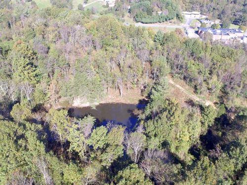 8 Acres With Pond : Roanoke : Virginia