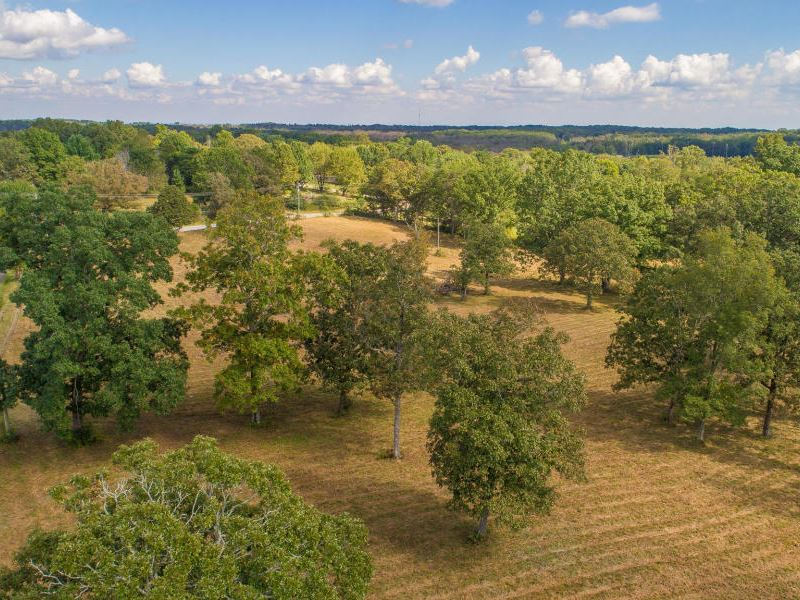 Private Mountaintop Oasis : Soddy Daisy : Hamilton County : Tennessee