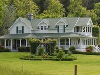 Luxurious Victorian Home & 200 : Sneedville : Hancock County : Tennessee