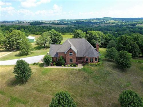 Luxury Home And 182 Acres North of : Clarkridge : Baxter County : Arkansas