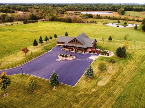 Trophy Whitetail Hunting Lodge : Long Prairie : Todd County : Minnesota