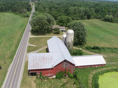 Country Charmer Near The Village : Pulaski : Oswego County : New York