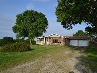 Southern Missouri Cattle Ranch : West Plains : Howell County : Missouri