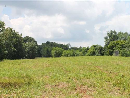 85.8 Acres, Private Acreage With : Breeding : Metcalfe County : Kentucky