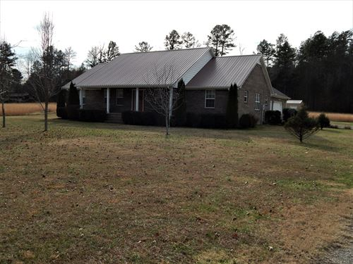Brick Ranch Country Home, 5 Acres : Collinwood : Wayne County : Tennessee