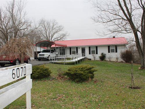 Mini-Farm / Central Kentucky / Road : Columbia : Adair County : Kentucky