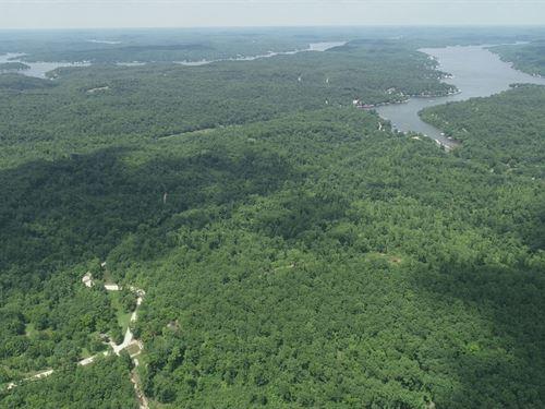 102 Acres At Lake Of The Ozarks : Camdenton : Camden County : Missouri