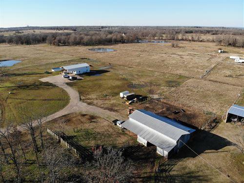 Large Cattle Ranch Valliant : Valliant : McCurtain County : Oklahoma