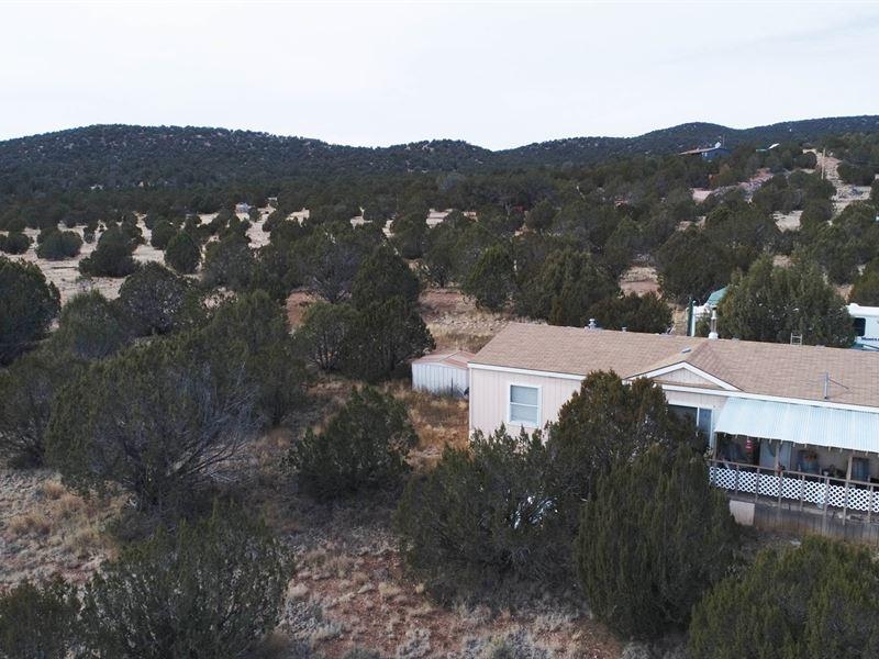 Seligman Home For Sale on Acreage : Seligman : Yavapai County : Arizona