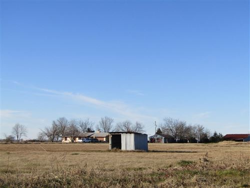 Land With Room To Grow : Brookston : Lamar County : Texas