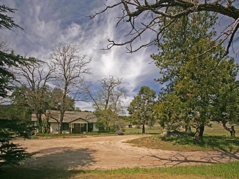 Wynola Meadows Ranch : Santa Ysabel : San Diego County : California