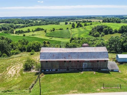 Exquisite Hobby Farm Great Hunting : Wauzeka : Crawford County : Wisconsin