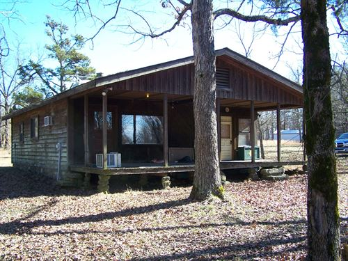 Cabin In Ozarks Of Arkansas : Tilly : Searcy County : Arkansas