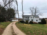 Farmette, Classic Farmhouse : Wauzeka : Crawford County : Wisconsin